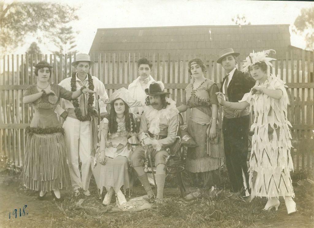carnaval-ensenada-disfraces-antiguos