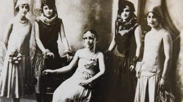 carnaval-ensenada-mujeres-antigua