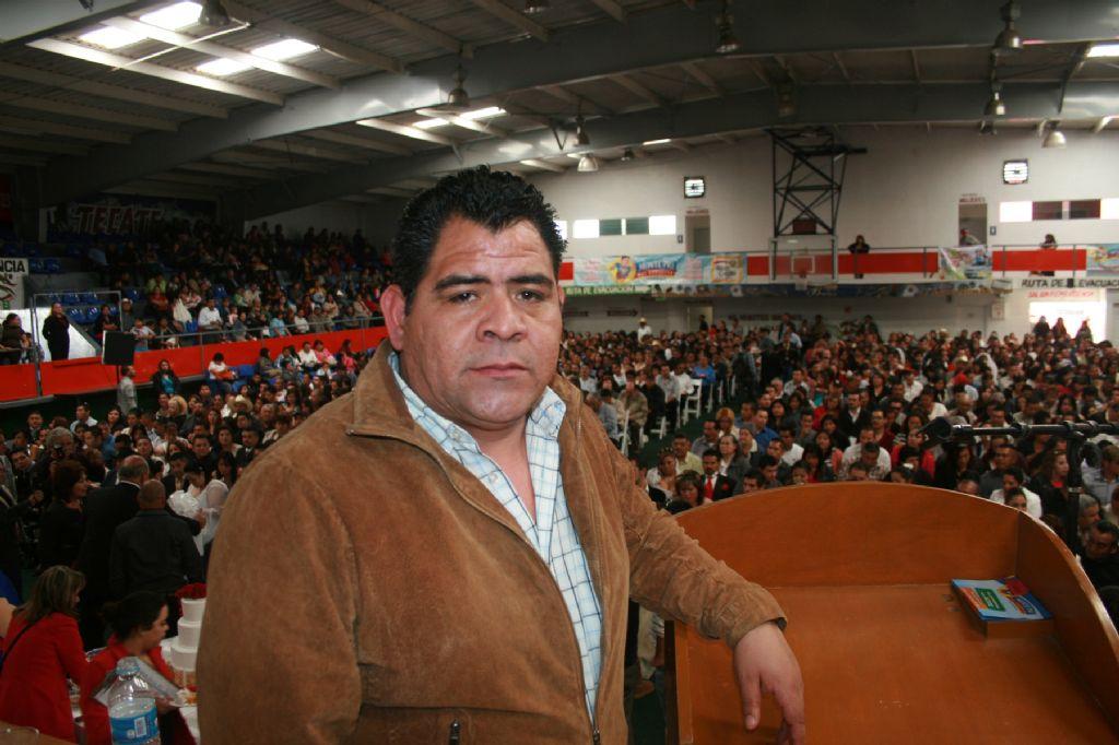 Resultado de imagen para ARMANDO REYES CANDIDATO DE MORENA PT EN ENSENADA