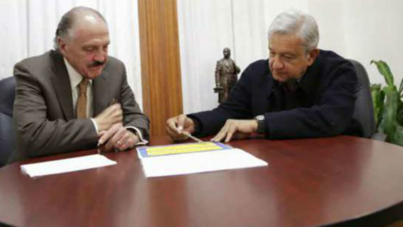 José María Rioóbo y el presidente Andrés Manuel López Obrador. Foto: Proceso